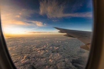 """""""Ryanair"""" stabdo skrydžius iš Vilniaus, skraidins tik iš Kauno į Dubliną"""