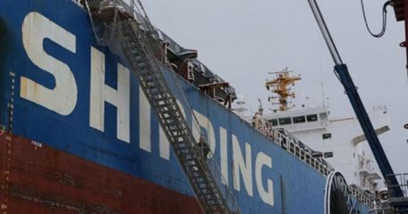 Kapitonai sunerimę: atsisakoma krante jūrininkams teikti pagalbą