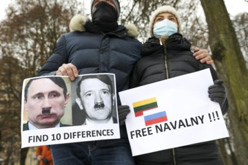 Prie Rusijos ambasados Vilniuje įvyko piketas dėl A. Navalno sulaikymo (nuotraukų galerija)