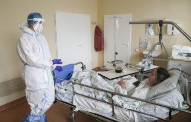 Koronavirusu šiuo metu serga 215 šiauliečių
