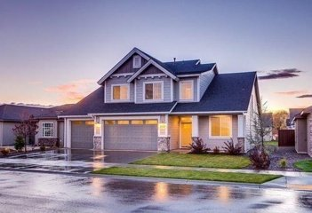 Šlaitinių stogų remontas: kaip išsirinkti paslaugos teikėją?