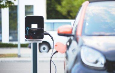 Už keičiamą seną automobilį į elektromobilį – iki 5 tūkstančių eurų subsidija