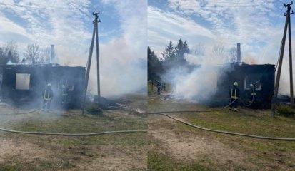 Šilalės rajone liepsnojo gyvenamasis namas: aukų pavyko išvengti