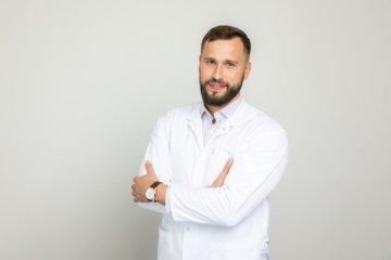 Lyderiais tampantys gydytojai siekia profesinių aukštumų