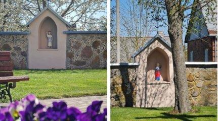 Musninkų bažnyčios šventoriuje esančiose koplytėlėse apsigyveno du šventieji