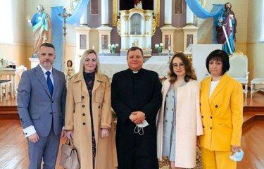 Vilkaviškio vyskupijos parapijos atsisveikino su ilgamečiais klebonais