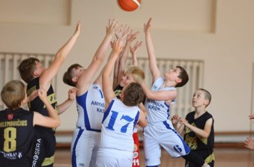 Jaunųjų Anykščių krepšininkų mače – drama