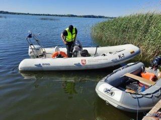 """Akcija """"Plaukiok atsakingai"""": Marijampolės aplinkosaugininkų dėmesys ne tik savaeigėms plaukiojimo priemonėms, bet ir žvejams"""
