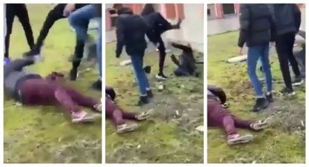 Socialiniuose tinkluose plinta kraupi scena: grupė jaunuolių be gailesčio spardo ant žemės gulinčius vyrus