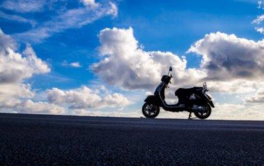 Turintys B kategoriją lengvuosius motociklus vairuos po 6 valandų praktinio vairavimo kurso