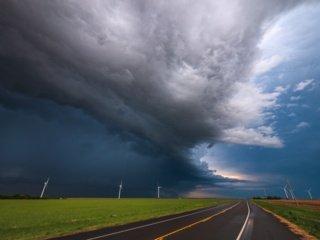 Baisios, kartą per šimtmetį pasitaikančios, audros gali smogti kasmet