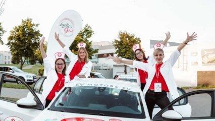 """4-ajame """"Ladies Go"""" etape: iššūkiai žinomoms moterims, ledo ritulininkių triumfas ir aistrų cunamiai"""