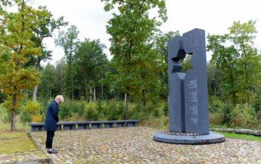 Šeduvoje I. Šimonytė pagerbė nužudytų žydų atminimą