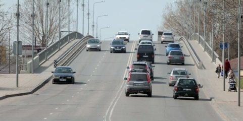 Eismo pokyčiai Šiauliuose – Tilžės gatvės viaduku sunkvežimiai nebevažinės