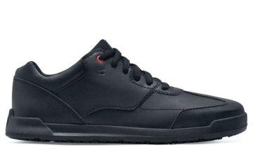 Komfortiška ir stilinga vyriška avalynė darbui: kokius batus pasirinkti?
