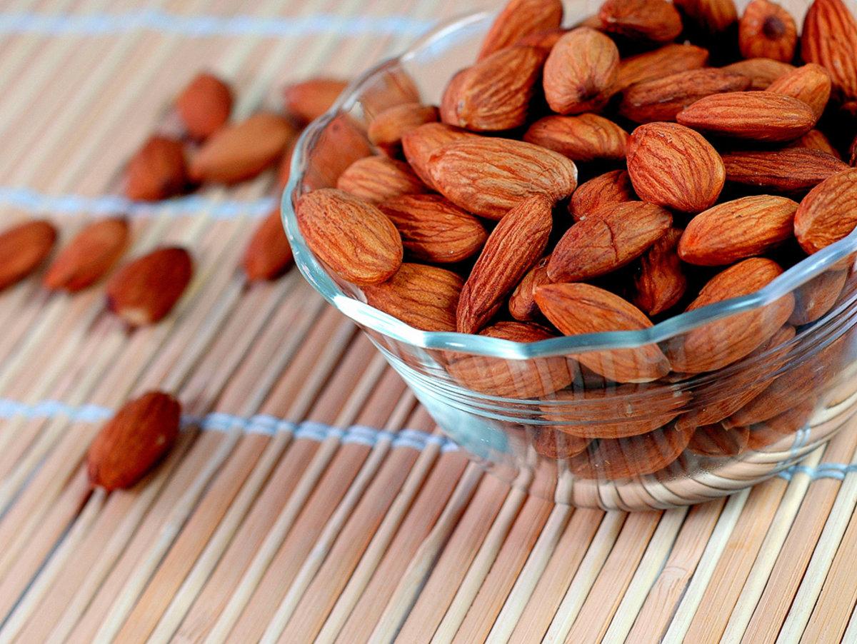 Migdolų nauda sveikatai: širdis sveika ir skanu ()