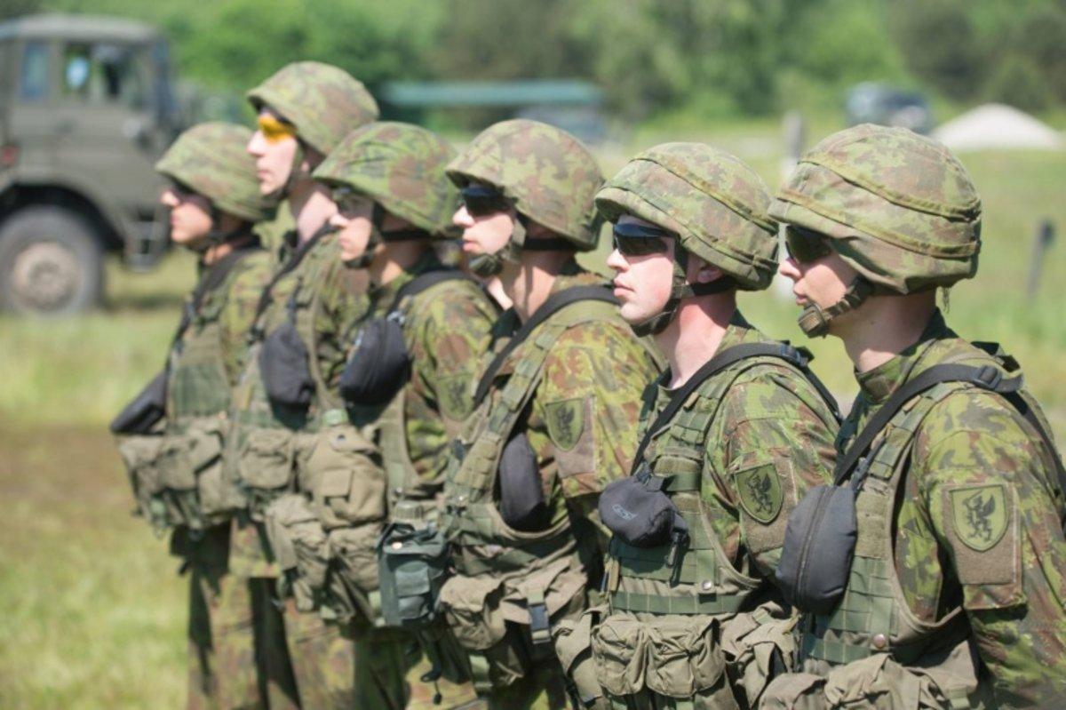 Suteiktos paslaugos pareigūnams ir kariams