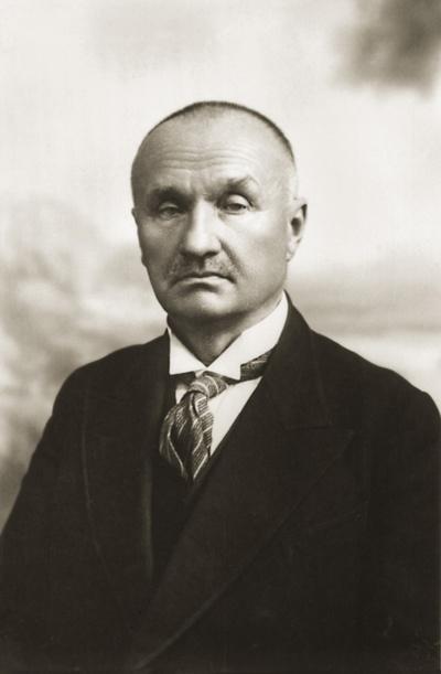 Asmenybė. Jonas Smilgevičius– bajoras, mecenatas, ūkininkas, pramonininkas, Nepriklausomybės Akto signataras.