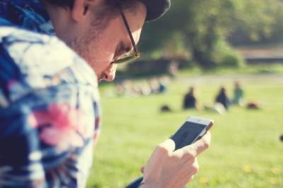 Kur kas aiškesnė kita tendencija – pirkimas per socialinius tinklus. Stocksnap.io nuotr.