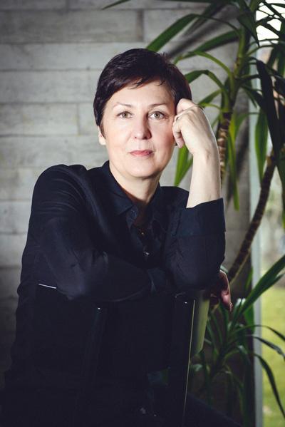 Garbė. Metų knygos rinkimuose – iš Šiaulių kilusios rašytojos Ilonos Ežerinytės vardas. Jos kūriniai pateko į knygų vaikams ir paaugliams penketukus.