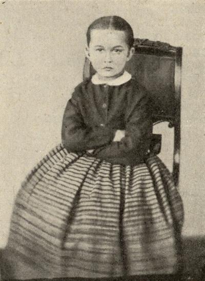 Feministė. Gabrielę Petkevičaitę-Bitę labiausiai žinome kaip rašytoją, kūrėją, redaktorę, tačiau ji buvo ir žymi politikė, feministė, tautinio atgimimo dalyvė, kandidatė į Lietuvos prezidentus. Gabrielė Petkevičaitė-Bitė. 1867 m.