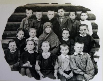 """Kazlauskų šeima su 5 nepilnamečiais vaikais į tremtį buvo išvežta iš trečio karto. Beveik dešimtmetis Sibire atnešė daug skausmo, kančių, bet šeimą gelbėjo tikėjimas ir maldos. """"Gyvenimas vyko ir ten"""",– sako Valerija. (Asmeninio archyvo nuotr.)"""