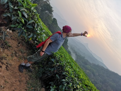 """""""Kartais pats išsigąstu dėl svajonių pildymosi"""", – atvirauja Seržas, kuris dar visai neseniai tik svajojo apie kelionę į Indiją, o štai šioje nuotraukoje jis jau gaudo saulę Keralos valstijoje Pietų Indijoje. (Seržo Staponkaus asmeninio archyvo nuotr.)"""