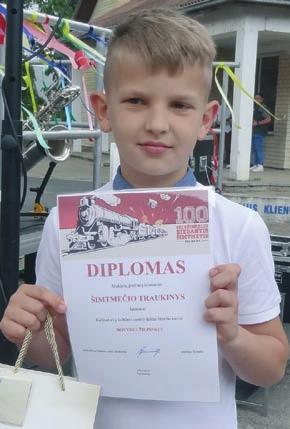 Su diplomais – Dovydas Žilinskas...