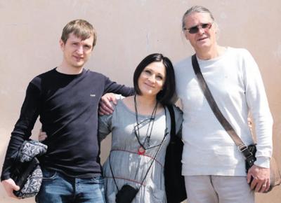 Renginį įgarsinęs Laimonas Dirginčius (kairėje) kartu su nuostabų koncertą atvežusiais atlikėjais Neda Malūnavičiūte ir Olegu Ditkovskiu.