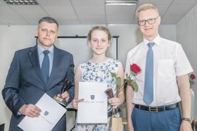 Agota Stalaučinskaitė su renginio organizatoriais - meru V. Tomkumi (dešinėje) ir D. Tamulevičiumi.