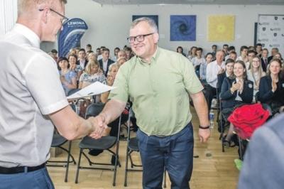 Artūras Čepulis (Rumšiškių Antano Baranausko gimnazijos direktorius).