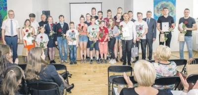 Kaišiadorių meno mokyklos pučiamųjų instrumentų orkestras (vadovas Artūras Vrublevskis).