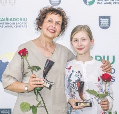 Ona Kupčiūnienė ir Simona Tamošiūnaitė.