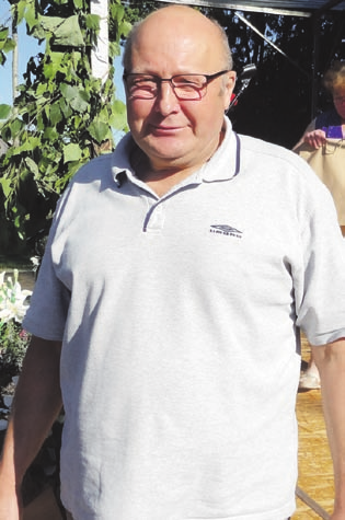 Jonas Černiauskas gavo padėką už aktyvią veiklą, kartu buvo pasveikintas kaip varduvininkas.