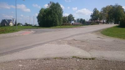 Šioje Bažnyčios ir Liepų g. sankryžoje dažnai įvyksta avarijos, todėl, Mindaugo manymu, šioje vietoje turėtų būti įrengtas greitį mažinantis kelio kalnelis, pėsčiųjų perėjos bei šaligatvis Liepų gatvėje