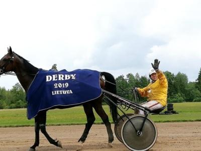 """""""Derby'"""" važiavimo nugalėtojas Kazys Trota"""