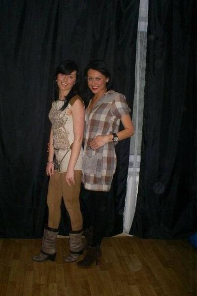 Simona Nainė (dešinėje) su seserimi Ineta jaunystėje© Asmeninis albumas
