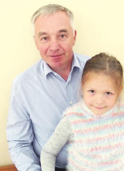 – Esame labai patenkinti, - šešiametę anūkėlę Tėją į Kultūros centrą palydėjęs sakė kaišiadorietis Romas Mieldažys.