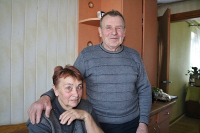 Pokyčiai. Kairiškiai Petras Anicetas ir Liucija Jurgaičiai džiaugiasi pasikeitusiu gyvenimu, pradėjus sportuoti. Liucija atsikratė antsvorio, o Anicetas įveikė alkoholizmą, jo nebevargina stuburo skausmai. (Audronio Rutkausko nuotr.)