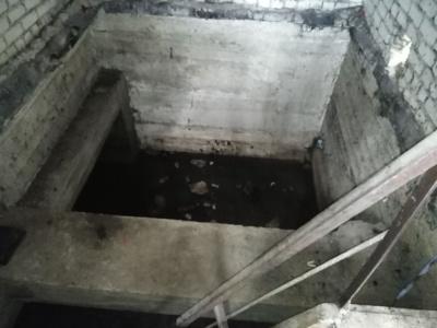 Po gaisraviete esančiame lietaus rezervuare užteršto vandens buvo prisikaupę apie 10 tūkst. kubinių metrų.