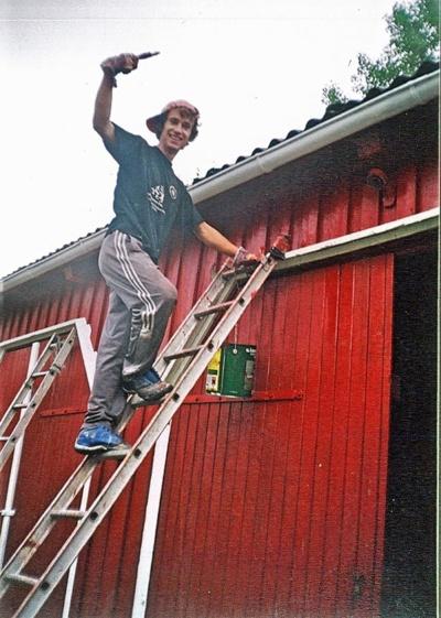 Studijų metais Aurimas Norvegijoje dažė namus. Asmeninio albumo nuotr.