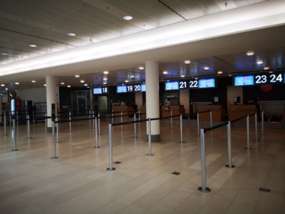 Tuščia. Šiaulietė sako, kad tuščias oro uostas – vaizdas, kurio niekuomet neteko matyti. Jį išvydus, ėmė krėsti šiurpas.