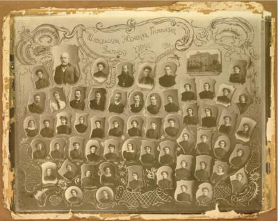 Žydų tauta buvo labai skaitlinga, išsilavinusi, tad dažniausiai atsirasdavo labai gerų specialistų dėstyti net ir lietuvių kalbą.