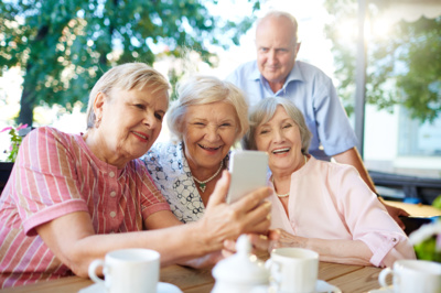 """""""Aš labai džiaugiuosi, kad vyresnio amžiaus žmonės nesileidžia stumdomi. Yra kvailių, kuriems rekomendacijų skaitymas neina į naudą, tai ką dabar padaryti? Turi priešintis ir, pasikartosiu, nežiopsoti"""". (Pressfoto nuotr.)"""