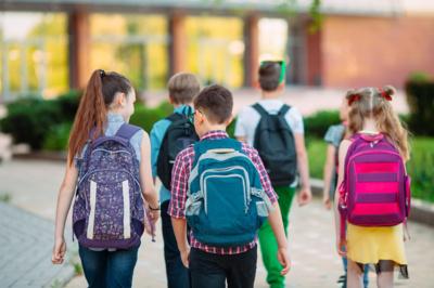 """""""Mokyklos bendruomenė – tai didžiulė jėga, kuri gali arba labai prisidėti, arba būti kliuviniu, trukdžiu palankiai aplinkai ir geros mokyklos kultūrai kurti"""", – sako L. Miltenienė. (Davit85 nuotr.)"""