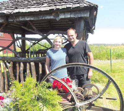 Iš Anglijos sugrįžę Edita ir Stivenas Lee sodybą svajoja apsupti rožynais.