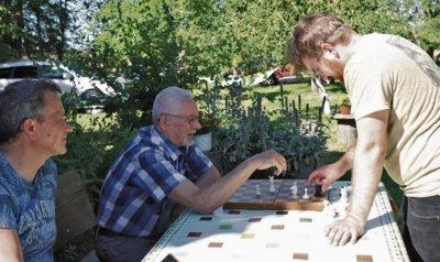 Simonaičių giminėje mėgstama žaisti šachmatais. Aidos GARASTAITĖS nuotrauka