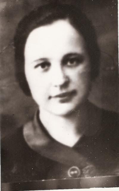 Vienuolė mokytoja Emilija Kapočiūtė, kuri, prof. S. Nosevičiūtės apibūdinimu, buvo unikali pedagogė, estetė.