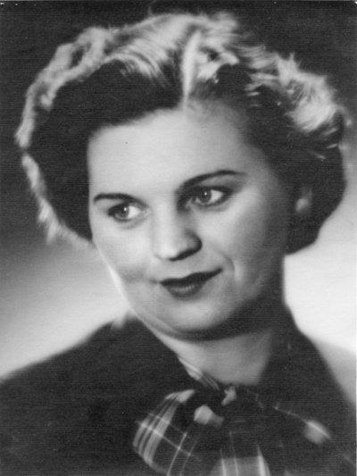 Kongregacijos darželį ir mokyklą lankiusi prof. Stefanija Nosevičiūtė (Lietuvos teatro, muzikos ir kino muziejaus nuotrauka).