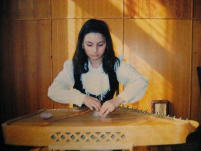 Simona Smirnova koncertuoja Ignalinos Miko Petrausko muzikos mokykloje. Asmeninio archyvo nuotrauka